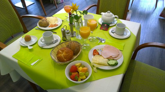 St. Raphael im Allgaeu: Beakfast was average but they ran out of some things occasionally