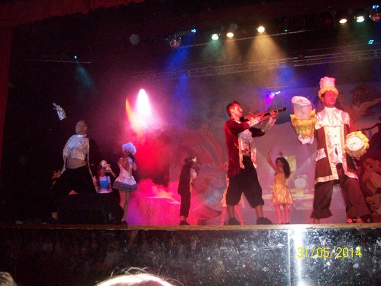 Barcelo Punta Umbria Beach Resort: fantasi show