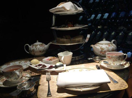 Four Seasons Hotel London at Park Lane : Tea Time