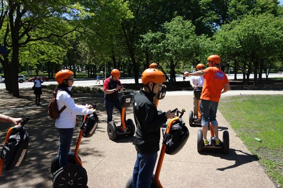 Absolutely Chicago Segway Tours: Plenty of stopping points to catch up with photos