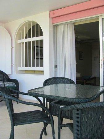 Bougainvillea Beach Resort: balcón