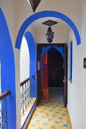 Riad Assilah Chefchaouen: Acceso dormitorio (hab. nº 23)