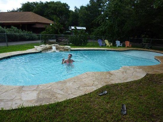 Canyon Lake Cabins & Cottages: the pool