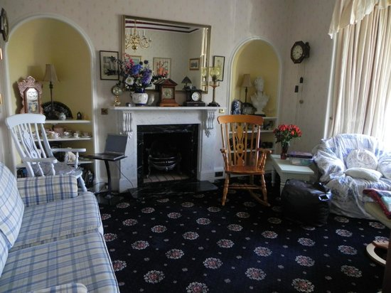Craignay Guest House: офис