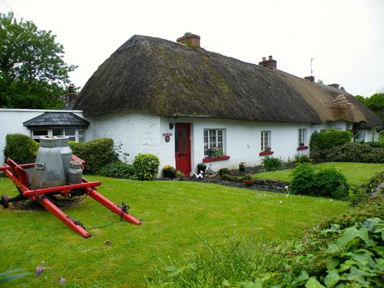 The Good Room: Thatched cottage a few doors down the road from the restaurant
