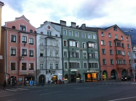 Gasthof Innbrücke: the left one is the hotel