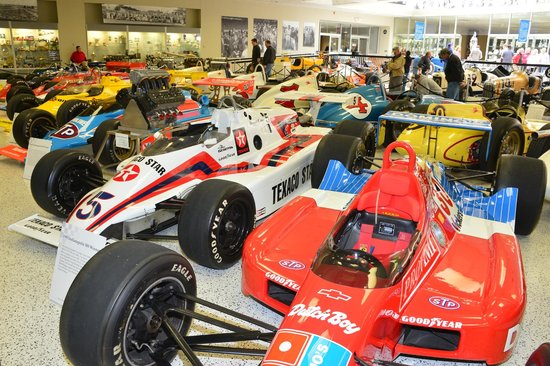 La Quinta Inn Indianapolis Airport Lynhurst : the nearby 'hall of fame' museum is open year-around
