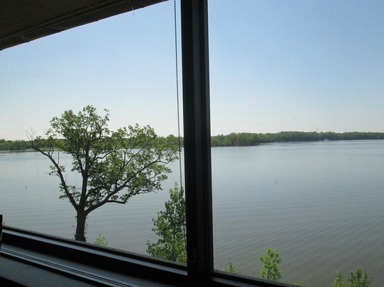 Deer Creek Lodge and Conference Center : Dining view
