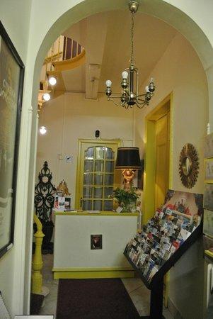 Hotel Van Eyck : La recepcion
