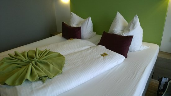 Hotel Demas City: Room beds
