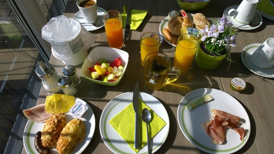 Hotel Demas City: Great breakfast on 5ht floor