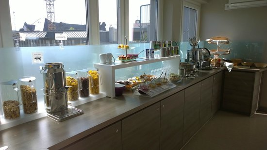 Hotel Demas City: Breakfast selection