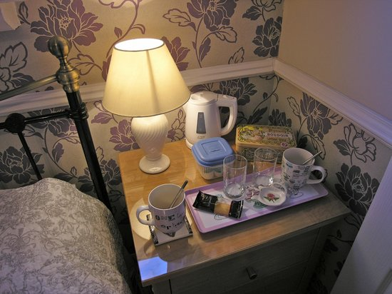Avondale Guest House: Tea/Coffee tray