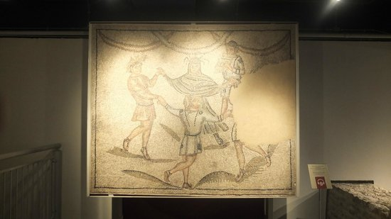 Domus dei Tappeti di Pietra : danza dei geni delle  stagioni