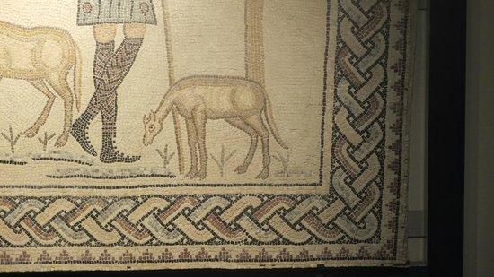 Domus dei Tappeti di Pietra : particolare del mosaico del Buon Pastore