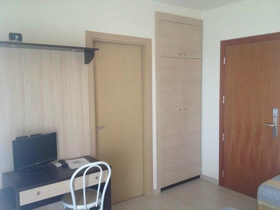 Hotel Cristall: Entrata stanza 406