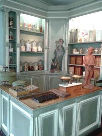 The House of Alijn: Traditional sweet shop