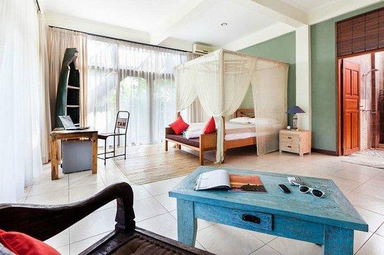 Wave House - Surf Camp: comfort room