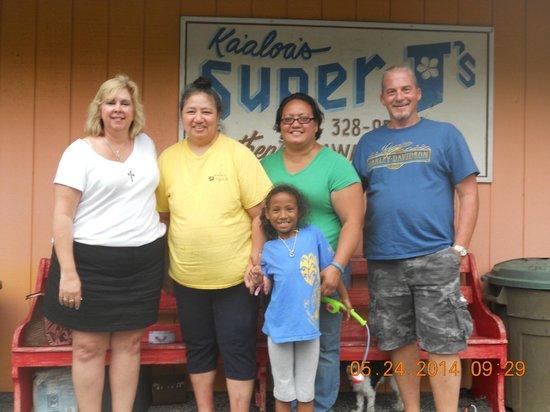 Ka'aloa's Super J's: My wife & I with the Owners of Super J's...... Very Friendly !!!