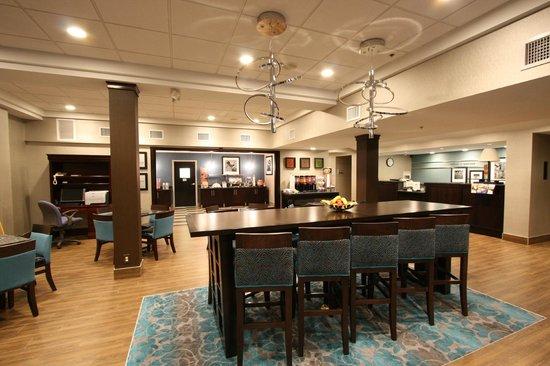 Hampton Inn Lakeland- North I-4: Lobby
