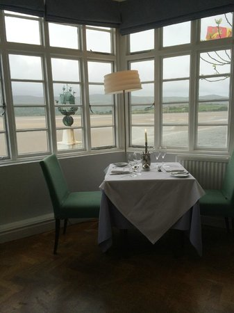 Restaurant at The Hotel Portmeirion: Une superbe vue