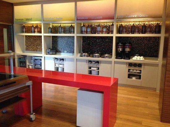 Hampton by Hilton Bursa: Kahvaltı alanı