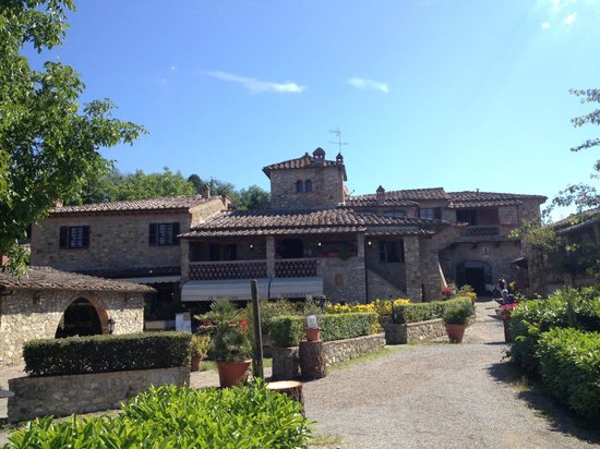 Mulino Di Quercegrossa: View from the front alley