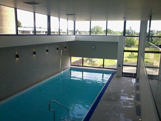 Hotel van der Valk Maastricht : Piscine