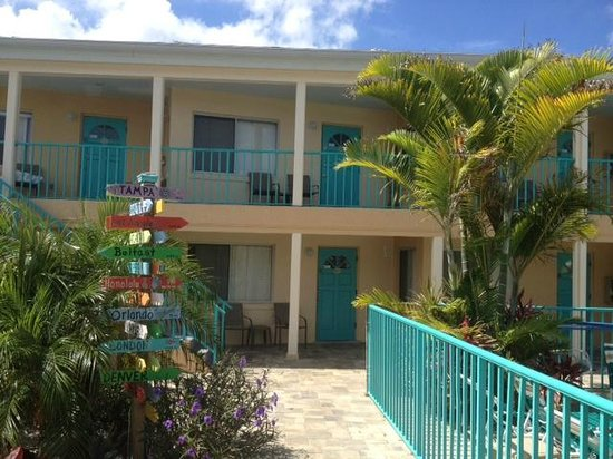 Five Palms Condominium Resort : Rooms