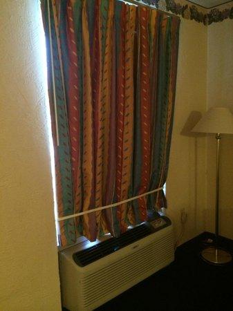 Photo of Deluxe Inn Swainsboro