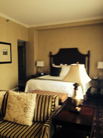 The Roosevelt New Orleans, A Waldorf Astoria Hotel: Our room