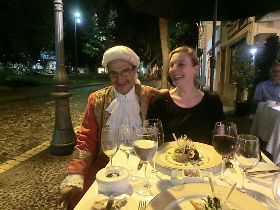 Restaurante Mozart: funny waiter