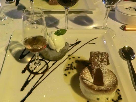 Restaurante Mozart: souflé / ice cream and madeira brandy
