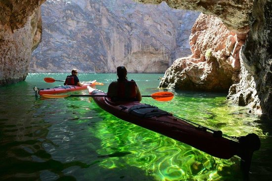Evolution Expeditions: Kayak Canyon Tour - Emerald Cave, it really looks like this too!