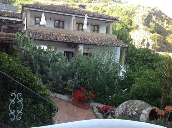 Molino del Santo : Hotel and garden