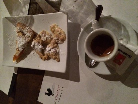 Il Chianti : coffee with cookies