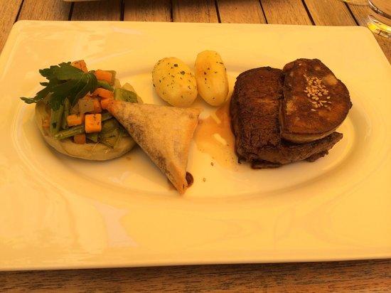 Restaurant La Marquiere : Filete de ternera con hígado de pato. Muy tierno y con sabor.