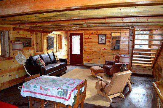 BackRoads Inn & Cabins : The Barn
