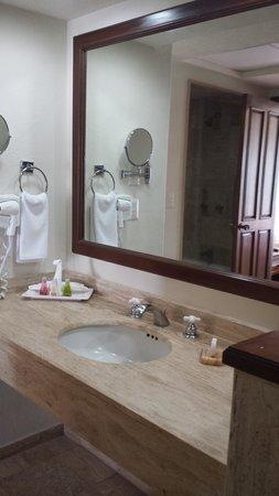 Buganvilias Vacation Club : Bathroom shot