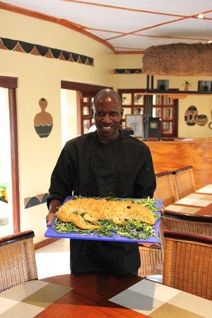 Water Lily Lodge: Im Speisesaal mit Krokodilbrot