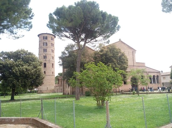 Basilica of Sant'Apollinare in Classe: vista da fuori 2