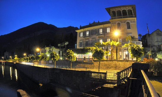 Hotel Villa Marie at night