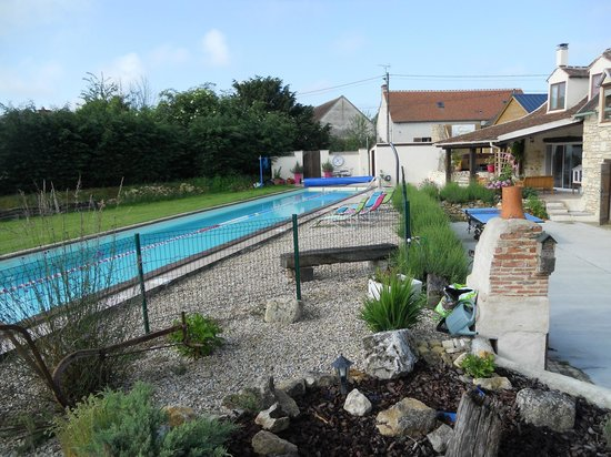 Tri-topia: Pool & Terrace.