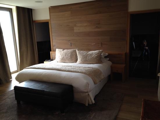 Domaine des Avenieres : un lit de rêve dans un décor de rêve