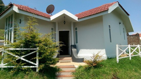 Space4 Resorts : Single room cottage.