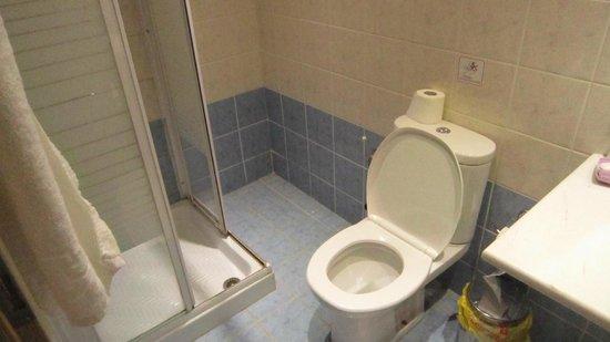 Hotel Thomas Beach: Туалетная комната