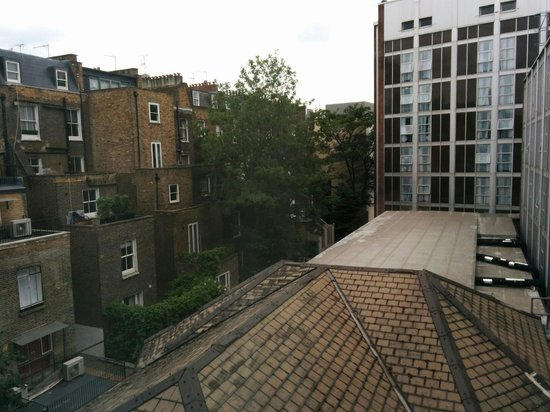 London Marriott Hotel Kensington : View from room 318