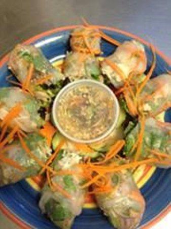 Sengthong's Restaurant: Summer Rolls