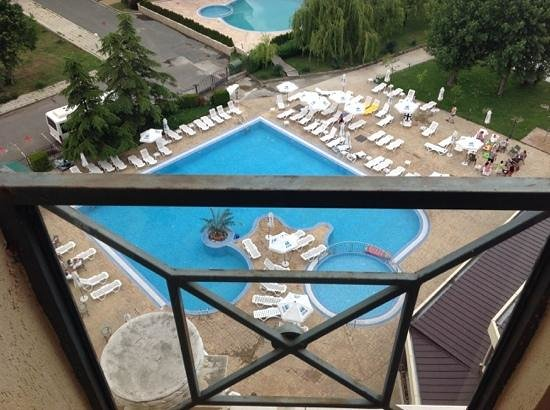 Imperial Hotel : balcony view, nice pool.
