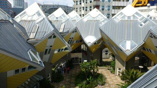 Condominium fotograf a de kijk kubus show cube - Casas cube opiniones ...